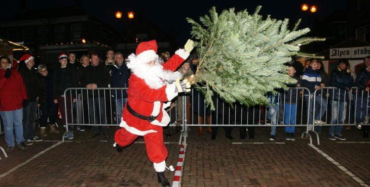 kerstman-werp-boom