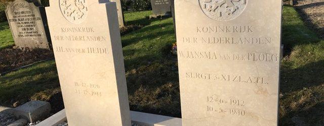 Oorlogsgravenstichting vervangt twee grafstenen op begraafplaats in Strijen