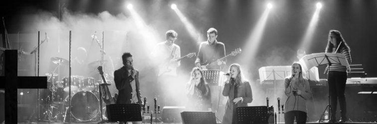 Mooie fotoserie van een groots afscheidsconcert van de MP3 concerten in Strijen