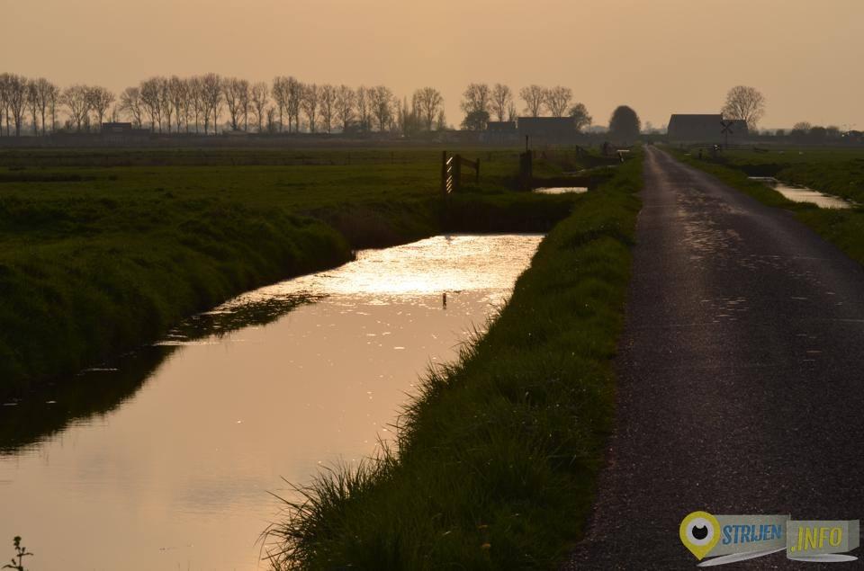 Bovenweg in Strijen door Gerhard Monkhorst