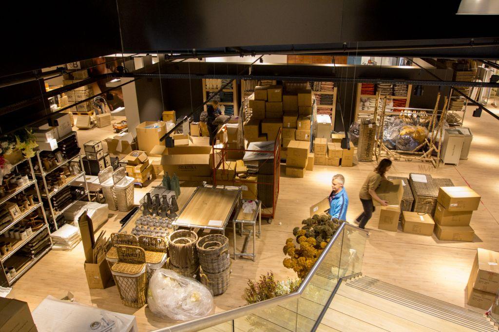 Winckelaer Strijen Meubels : Nog één week te gaan voor de opening van de bommel meubelen in